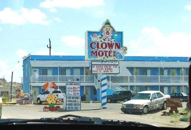 Clown Motel di Tonopah Nevada - Il motel più spaventoso d'America e i suoi fenomeni paranormali