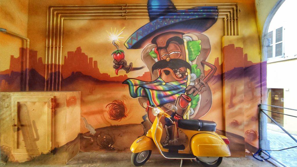 street art Ancona murales Capodimonte hot dog messicano di Skugio