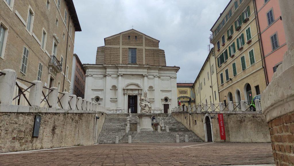 Chiesa di San Domenico e Statua di Clemente XII - Piazza del Papa - Ancona