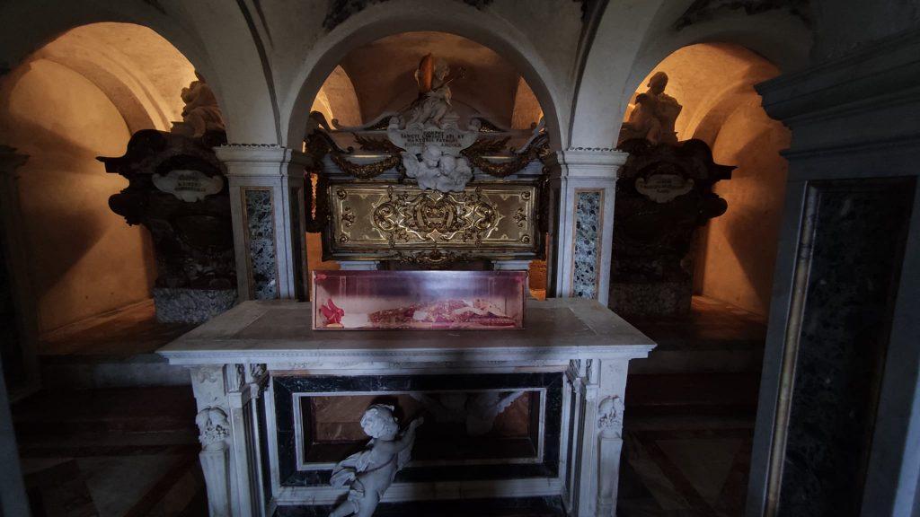Cripta dei Santi Protettori Con le spoglie di San Ciriaco al centro - Duomo di Ancona